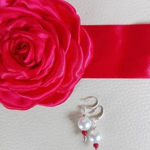 Menyecske szett piros rózsával, Esküvő, Ékszer, Hajdísz, ruhadísz, Esküvői ékszer, Szatén öv, amelyen a pánt és a rózsa rátét is piros. Hozzá illő elegáns fülbevaló, tekla és Swarovsk..., Meska