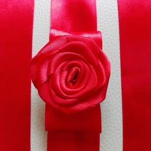 Red Rose esküvői, menyecske öv, Öv & Pánt, Kiegészítők, Esküvő, Varrás, Virágkötés, Szaténöv, esküvőre. Rendelésre készült termék.\nHasonló készülhet, írj belső üzenetet. \nMéret: öv pán..., Meska