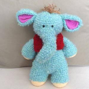 Fáni, Gyerek & játék, Játék, Baba játék, Játékfigura, Baba-mama kellék, Horgolás, Baba-és bábkészítés, Fáni a kis elefánt!\nKedvencem ez a kis elefánt, de szívesen megválok tőle ha szeretnéd!\nKis piros me..., Meska