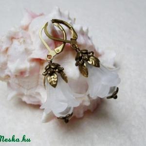 Hóvirág fülike (Evii) - Meska.hu