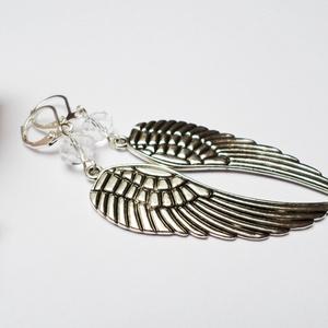 Nagy angyali fülbevaló, Ékszer, Fülbevaló, Crystal színű donut gyöngyből és ezüst színű 45mm-es angyalszárnyból készítettem el a fülbevalót. Fr..., Meska