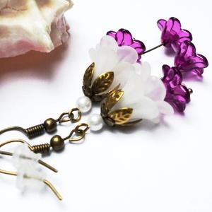 Fehér és lila harangvirág fülbevaló, Ékszer, Fülbevaló, Lógó fülbevaló, Ékszerkészítés, Gyöngyfűzés, gyöngyhímzés, Meska