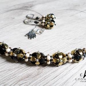 Arany és fekete hortenziacsokor, Ékszer, Medál, Nyaklánc, Örök divat az arany és fekete kombinációja. Most ebben a színben készítettem el ezt az elegáns, féme..., Meska