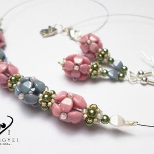 Pasztell hortenzia csokorban, Ékszer, Medál, Nyaklánc, Pasztell rózsaszín és pasztell kék színben készítettem hortenziavirágokat. Saját készítésű kézműves ..., Meska