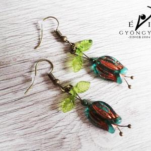 Emerald bibe fülbevaló, Ékszer, Fülbevaló, Csodás bronzos emeraldzöld tulipánformát egészítettem ki zöld akryl levélkékkel és réz színű szerelé..., Meska