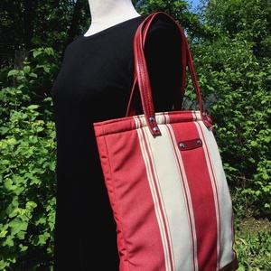 Füles kézitáska, Táska & Tok, Varrás, Bőrművesség, Bélelt vászon táska, nem zárható, belsejében egy 13cm x 16cm-es zseb található.\n\nMérete: 40cm x 42cm..., Meska