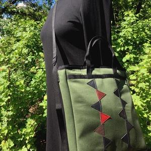 Katonazöld táska műbőr díszítéssel, Táska & Tok, Cipzárral zárható, belsejében egy 24cm x 18cm-es zseb található.  Mérete: 30cm x 34cm x 7cm (széless..., Meska