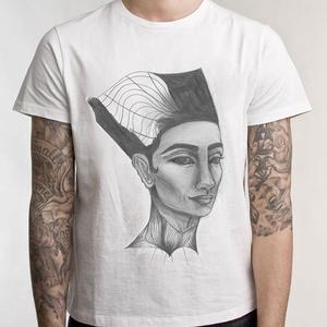 Egyiptomi Nefertiti grafikás póló, egyedi férfi és női póló, póló egyedi illusztrációval, hipster póló, Táska, Divat & Szépség, Ruha, divat, Férfi ruha, Női ruha, Póló, felsőrész, Decoupage, transzfer és szalvétatechnika, Fotó, grafika, rajz, illusztráció, Egyedi grafikás póló\n\nElkészítési idő: 2-3 munkanap\nSzállítási idő: 2 munkanap\nEzért kérjük, hogy ös..., Meska