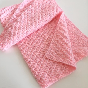 Rózsaszín babatakaró, halvány pink kötött puha takaró bojtokkal 70 x 90 cm , Lakberendezés, Otthon & lakás, Lakástextil, Takaró, ágytakaró, Kötés, Kézzel kötött pihe-puha babatakaró, amivel nem csak kellemes betakarózni esténként, de nagyon mutató..., Meska