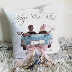 Egyedi esküvői párna, neves ajándék, nászajándék párna, egyedi esküvői ajándék díszpárnahuzat + belső; név + dátum (EVYHomeDecor) - Meska.hu