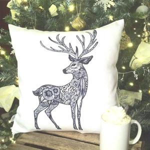 Szarvasos karácsonyi díszpárna, egyedi szarvas mintával - huzat + belső párna(40x40cm), Otthon & lakás, Dekoráció, Ünnepi dekoráció, Varrás, Festészet, • KÉZZEL KÉSZÍTETT DÍSZPÁRNA EGYEDI NYOMATTAL \n\nTERMÉKLEÍRÁS:\n• belső párna + levehető huzat alul zi..., Meska