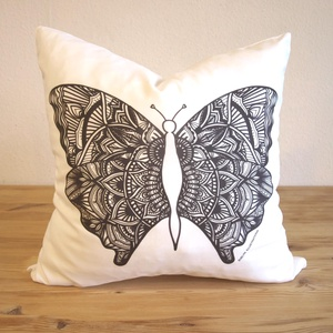 Pillangós párna, Pillangó mandala, mandala mintás díszpárna, (huzat+belső párna) (EVYHomeDecor) - Meska.hu
