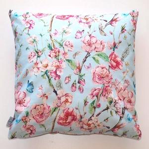 Cseresznyevirágos kék-rózsaszínű díszpárna, tavaszi, kék-rózsaszín mintás, cseresznyevirágos díszpárnahuzat (40x40cm) (EVYHomeDecor) - Meska.hu