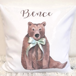 Egyedi neves párna maci mintával és szalaggal, névpárna ajándék,Mackós párna, Medve, Díszpárna babaszoba, huzat + belső (EVYHomeDecor) - Meska.hu