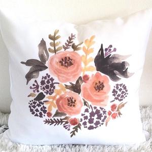 Virág mintás díszpárna, akvarell festmény mintás dekorpárna, Nyári virágcsokor, Szerelmeseknek, Ünnepi dekoráció, Dekoráció, Otthon & lakás, Lakberendezés, Lakástextil, Párna, Varrás, Festészet, KÉZZEL KÉSZÍTETT DEKOR PÁRNAEGYEDI NYOMATTAL\n\nElkészítési idő: 1-2 nap\nSzállítási idő: 2 munkanap\nEz..., Meska
