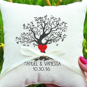 Egyedi ajándék esküvőre, évfordulóra, nászajándék párna, egyedi esküvői ajándék díszpárnahuzat + belső - név és dátum, Esküvő, Gyűrűpárna, Esküvői dekoráció, Nászajándék, Egyedi felirattal - nevekkel és dátummal vagy bármilyen saját szöveggel - készítjük el Neked! Kérhet..., Meska