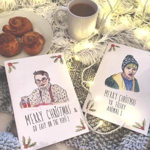 Karácsonyi képeslap-szett Reszkessetek betörős grafikával, Kinyitható képeslapok, Karácsonyi vicces kézműves üdvözlőlap, Karácsonyi képeslap, Karácsony & Mikulás, Otthon & Lakás, Fotó, grafika, rajz, illusztráció, EGYEDI, SAJÁT FELIRATTAL IS RENDELHETŐ!\n\nHa Te is a 90-es évek szülötte vagy, akkor ismerős lehet ez..., Meska