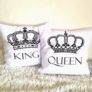 Egyedi név feliratos párna King and Queen koronás feliratos szett, esküvői nászajándék díszpárna szett, huzat+belsőpárna, Otthon & Lakás, Lakástextil, Varrás, Festészet, Ha szeretnéd meglepni szeretteid valami személyre szabott ajándékkal, akkor ez a díszpárna szett tök..., Meska