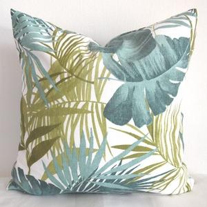 Pálmás pálmaleveles trópusi díszpárna, trópusi levél növényes párnahuzat, dzsungeles huzat + belső párna (EVYHomeDecor) - Meska.hu