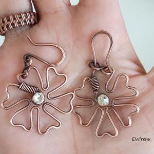 Antikolt vörösréz ékszer szett, egyedi, kézműves, drótékszer, Swarovski kristályos virág, karkötő, fülbevaló, medál, (Ewire) - Meska.hu