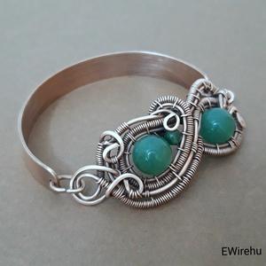 Réz karkötő zöld aventurin ásványékszer, egyedi kézműves drótékszer, vörösréz karperec (Ewire) - Meska.hu
