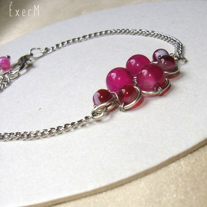 Pink achát ásvány karkötő, Ékszer, Karkötő, 6 és 4 mm-es pink achátokkal díszített drótékszer karkötő. Alapja kézzel hajlított ezüstözött ékszer..., Meska