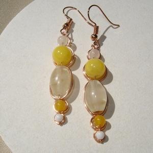 Sunny - sárga-fehér ásvány statement fülbevaló, Ékszer, Fülbevaló, Élénk sárga jáde és achát, drapp színű ovális turmalin és 4 mm-es áttetsző morganit ásványok felhasz..., Meska