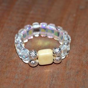 Holdfény gyűrű, Ékszer, Gyűrű, Esküvő, Esküvői ékszer, Ékszerkészítés, Gyöngyfűzés, gyöngyhímzés, A rugalmas damilra csodaszép kristályosan csillogó különleges cseh gyöngyöket, ezüst fém közteseket ..., Meska