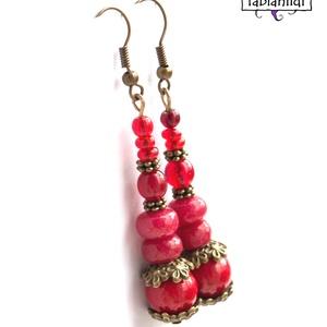 Szenvedélyes romantika fülbevaló, Ékszer, Fülbevaló, A fülbevaló bronz színű fülbevaló alapra készült. Piros színű üveggygönyöket, jade és korall ásvány ..., Meska