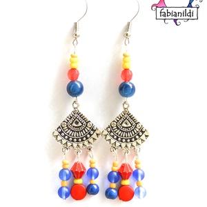 Isztambuli bazár hosszú fülbevaló, Ékszer, Fülbevaló, A fülbevaló ezüst színű fülbevaló alapra készült. Piros, kék és sárga üveg-, illetve akril gyöngyökb..., Meska