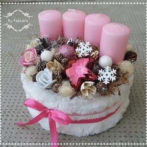 Pink Fashion Adventi box ASZTALDÍSZ, VIRÁGBOX, DOBOZ, NÉVNAP, Otthon & Lakás, Karácsony & Mikulás, Adventi koszorú, Mindenmás, Virágkötés, Szabina kérésére csajos adventi box!\n\nHavas csajos hangulatban készülődök az ünnepre!\n\nA dobozt körb..., Meska