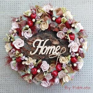 Almás ajtódísz 29cm kopogtató , Otthon & lakás, Dekoráció, Lakberendezés, Ajtódísz, kopogtató, Virágkötés, \nEgy szalmaalapot bevontam, majd saját gumivirágokkal, termésekkel, kócgolyókkal, saját textil tökök..., Meska