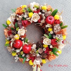 Piros almás őszi ajtódísz 24 cm kopogtató , Otthon & lakás, Dekoráció, Lakberendezés, Ajtódísz, kopogtató, Virágkötés, Egyedi színes őszi dekoráció. \n\nEgy szalmaalapot bevontam, majd saját gumivirágokkal, termésekkel, k..., Meska