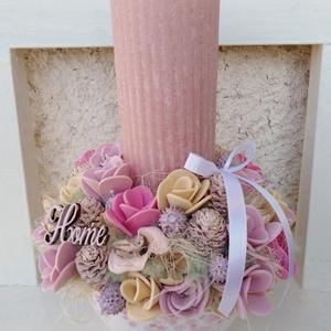 Romantikus gyertyás asztaldísz dekoráció virágbox , Esküvő, Meghívó, ültetőkártya, köszönőajándék, Otthon & lakás, Dekoráció, Lakberendezés, Asztaldísz, Ünnepi dekoráció, Húsvéti díszek, Mindenmás, Virágkötés, Egy kerámia kaspót béleltem, majd egy nagy kézműves gyertyát raktam a közepére és körbe díszítettem ..., Meska