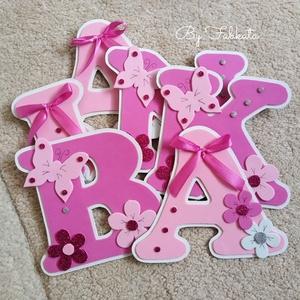 Pink - rózsaszín név 15cm babanév falmatrica bababetű dekorgumi , Otthon & Lakás, Dekoráció, Betű & Név, Egyedi nevek, dekorgumiból készitem, kartonra vannak felragasztva. Hátoldalon kétoldalú ragasztóval ..., Meska