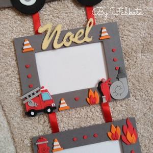 Tűzoltó autós dekorgumi képtartó képkeret , Képkeret, Dekoráció, Otthon & Lakás, Mindenmás, Papírművészet, Egyedi képtartót készítek dekorgumiból.\n\nMérete : 56 * 26cm\nMunkagép : 16 *26cm\n\nBármilyen névvel ké..., Meska