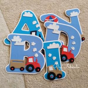 Traktor mintás név 15cm Dekorgumi babanév falmatrica bababetű , Betű & Név, Dekoráció, Otthon & Lakás, Mindenmás, Papírművészet, Dekorgumiból készitem a neveket, kartonra van felragasztva. Hátoldalon kétoldalú ragasztóval. \n\nMére..., Meska