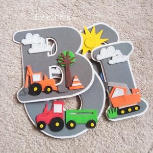 Járműves szürke dekorgumi babanév falmatrica 15cm markoló traktor , Otthon & Lakás, Dekoráció, Falmatrica & Tapéta, Mindenmás, Papírművészet, \nEgyedi nevek dekorgumiból, kartonra vannak felragasztva, hátoldalon kétoldalú ragasztóval vannak el..., Meska
