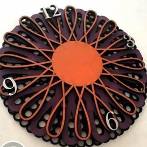 4 rétegű óra (000025), Dekoráció, Otthon & lakás, Lakberendezés, Falióra, óra, Egyéb, Famegmunkálás, Gravírozás, pirográfia, 30 cm átmérőjű, 3 mm vastag rétegelt lemezből (rétegenként). \n\nNégy rétegből áll, melyeket szabadon ..., Meska