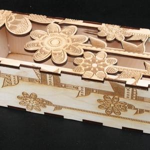 Virág mintás doboz (000148), Dekoráció, Otthon & lakás, Egyéb, Lakberendezés, Esküvő, Famegmunkálás, Gravírozás, pirográfia, Anyaga: 4mm rétegelt lemez\nMérete: külső doboz 27*9,5*7cm\n             belső doboz bel mérete 25,5*7..., Meska