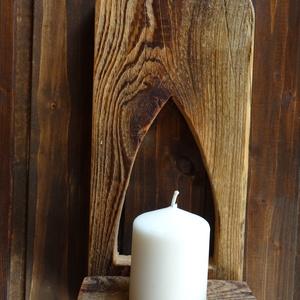 Gyertyatartó, Otthon & lakás, Dekoráció, Dísz, Lakberendezés, Gyertya, mécses, gyertyatartó, Famegmunkálás, Fenyőfából készült rusztikus gyertya tartó. A fa részek szépen meg vannak munkálva és faolajjal be v..., Meska