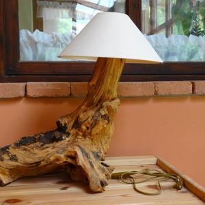 Asztali lámpa, Otthon & lakás, Dekoráció, Lakberendezés, Lámpa, Asztali lámpa, Hangulatlámpa, Famegmunkálás, Akác gyökérből készült abszolút egyedi asztali lámpa. Használatra készen, új hálózati vezetékkel és ..., Meska