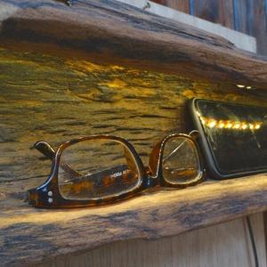 Különleges falilámpa, Otthon & Lakás, Lámpa, Fali & Mennyezeti lámpa, Famegmunkálás, Akác fából készült abszolút egyedi falilámpa Led fénysorral. A lámpa különlegessége,hogy a fát a ter..., Meska