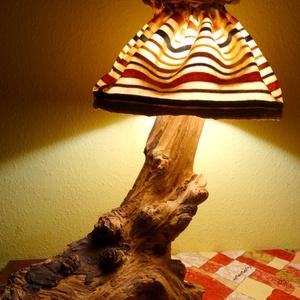 Lámpa, Otthon & Lakás, Lámpa, Asztali lámpa, Famegmunkálás, Akác tuskóból készült egyedi nagyobb méretű asztali lámpa. Villásdugóval és kapcsolóval ellátva. A b..., Meska