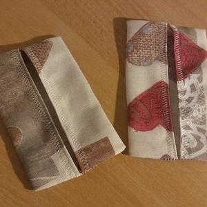 Szív mintás papírzsebkendő tartó, Táska & Tok, Pénztárca & Más tok, Zsebkendőtartó, Varrás, Erős piros és bézs szív mintás vastag dekorvászonból készültek ezek a papírzsebkendő tartók. Valentí..., Meska
