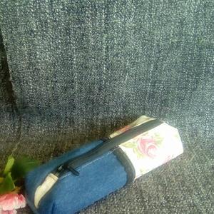 Farmer rózsás, vintage mini tolltartó, Táska, Divat & Szépség, Táska, Pénztárca, tok, tárca, Neszesszer, Szemüvegtartó, Kék farmer és bézs alapon rózsás lenvászon anyagból készítettem ezt a mini tolltartót. Hozzáillő bél..., Meska