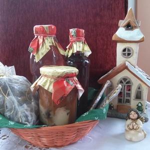 Karácsonyi Édes ízek...ajándékdoboz, Kulinária (Ízporta), Szörp, Alkoholos italok, Édességek, Élelmiszer előállítás, A egyre nagyobb mértékben felgyülemlő tárgyak helyett váltsunk gasztroajándékra, \n a doboz tartalma:..., Meska