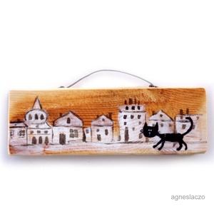 Macska az úton AKCIOS, Dekoráció, Otthon & lakás, Dísz, Lakberendezés, Képzőművészet, Famegmunkálás, Festett tárgyak, Ingyenes posta\nMOST AKCIOS\n\negyedi, rusztikus fa dekoracio.\nkb.  6.5 x 19.5 cm.\najanlottan postazom...., Meska