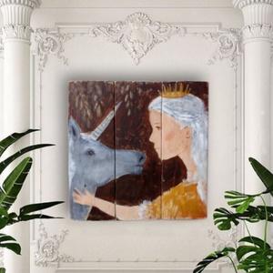 Hercegnő és az unikornis , Falra akasztható dekor, Dekoráció, Otthon & Lakás, Festészet, Újrahasznosított alapanyagból készült termékek, INGYENES POSTA\n\nEgyedi, rusztikus fa dekoracio.\nfalra akaszthato.\nkb. 43.5 x 43.5 cm.\nA szinek elter..., Meska