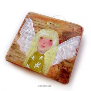 Csillagpor angyal, Otthon & lakás, Dekoráció, Lakberendezés, Falikép, INGYENES POSTA !  Egyedi, rusztikus fa dekoracio. kb. 11.5 x 11 cm. + akaszto. A szinek elterhetnek ..., Meska
